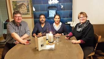 Das Wirtepaar Sri und Amutha umrahmt von den Besitzern Jürg und Esther Sperisen-Stuber.