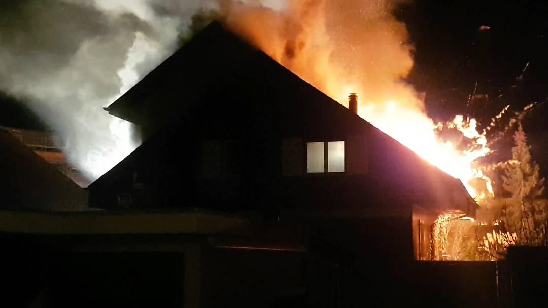Buchs (AG): Einfamilienhaus komplett ausgebrannt