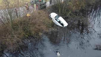 Die 65-Jährige landete mit ihrem Fahrzeug im Nebenkanal der Thur.