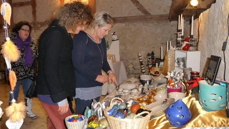 Behagliche Weihnachtsstimmung an der Ausstellung im Schloss.apb