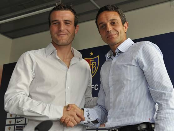 Im Sommer 2009 wechselt der Schweizer Rekordtorschütze Alex Frei zum FCB. Es ist Heuslers erstes Meisterstück als operativer Leiter im Verein – und ein Transfer, der die hiesige Fussball-Landschaft markant verändert. Der FCB wird unbesiegbar.