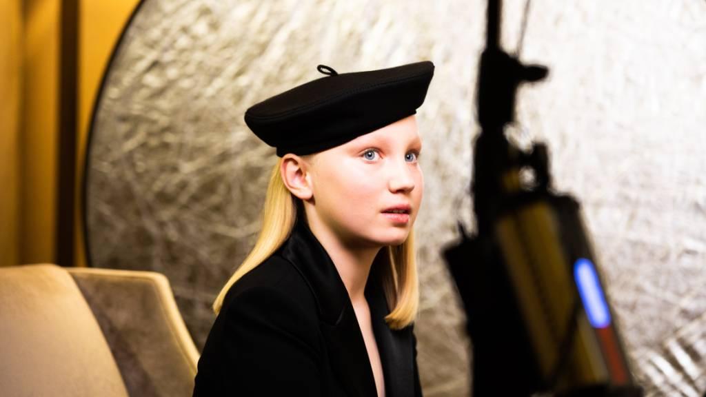 dpatopbilder - Die zwölfjährige Helena Zengel bekam zwar keinen Golden Globe, kann aber trotzdem stolz sein. Foto: Magdalena Höfner/magdalena hoefner photography /dpa