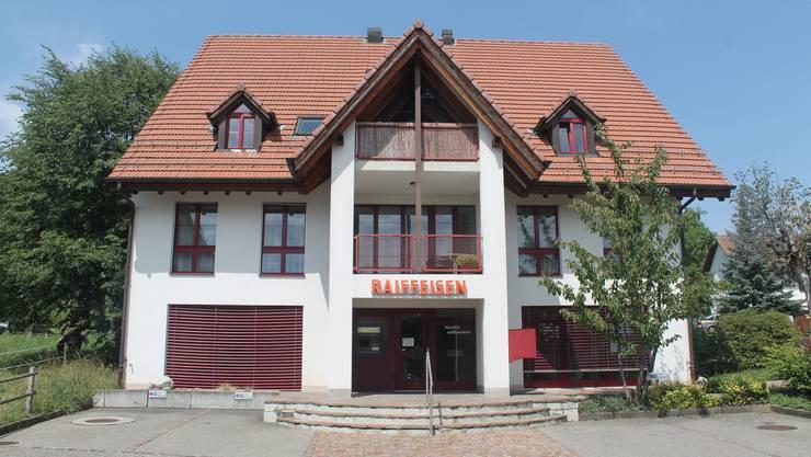 Die Raiffeisenbank in Nuglar hat noch bis Ende Jahr geöffnet. Ob danach der Bancomat im Dorf bleibt, steht noch nicht fest.
