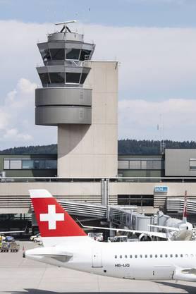 Das Herzstück der Luftverkehrssicherheit: Der Fluglotsen-Tower am Flughafen Zürich.