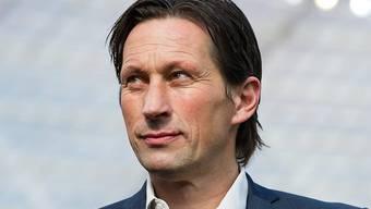 Leverkusens Trainer Roger Schmidt kann sich an seinem 49. Geburtstag über einen 2:1-Heimsieg gegen den Hamburger SV freuen