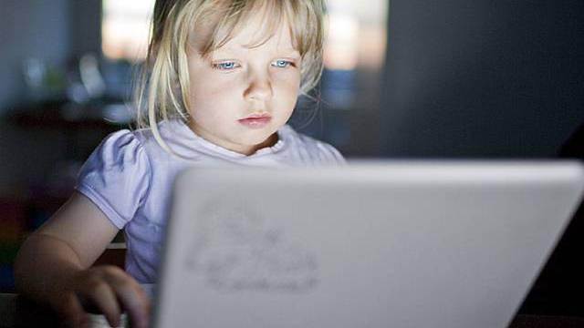 Schulkinder in Uruguay erhalten Laptops (Symbolbild)