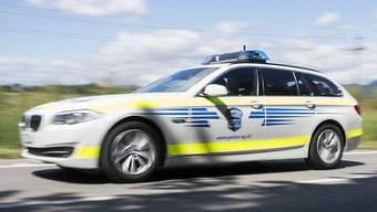 Die Kantonspolizei Aargau nahm einem Lenker den Führerausweis ab. (Symbolbild)