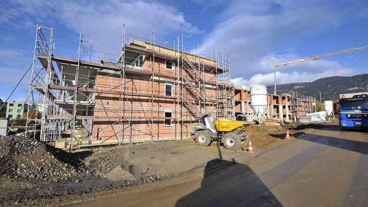 Hüslerhofpark Langendorf: Dort entstehen in drei Mehrfamilienhäusern 22 Eigentumswohnungen:  «Wir vermarkten die Wohnungen mit Erfolg», sagt Ivo Bracher.