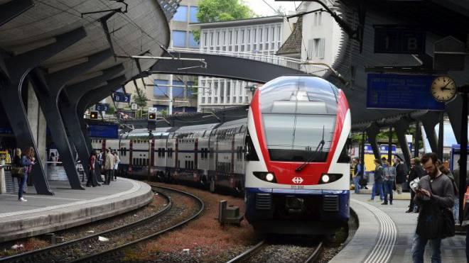 Die vollste Zürcher S-Bahn: In den Zügen der S12 sind regelmässig über 1 000 Pendler unterwegs. Foto: Urs Füeler/Keystone