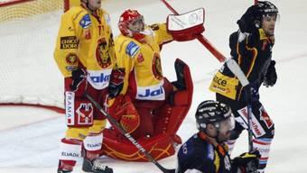 Langnau-Goalie Benjamin Conz kassierte den Ausgleichstreffer zum 1:1