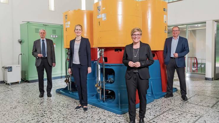 Verwaltungsrätin Simone Walther (l.), CFO Sonja Zwahlen, VR-Präsident Martin Steinmann (l.) und Geschäftsführer Markus Blättler.