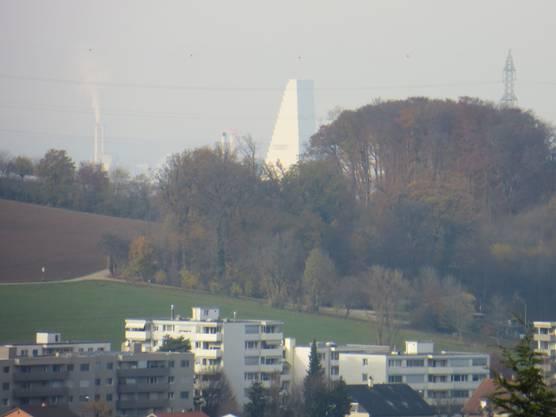 Man kann nur stauen, sogar den Roche Turm von Basel kann man sehen oben von Füllinsdorf.