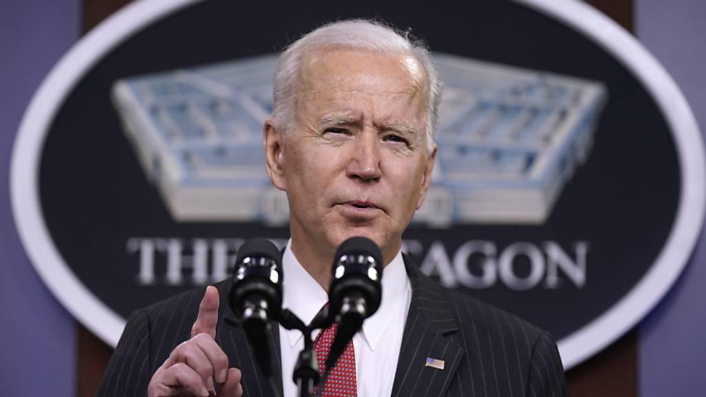ARCHIV - US-Präsident Joe Biden spricht im Pentagon. Foto: Patrick Semansky/AP/dpa