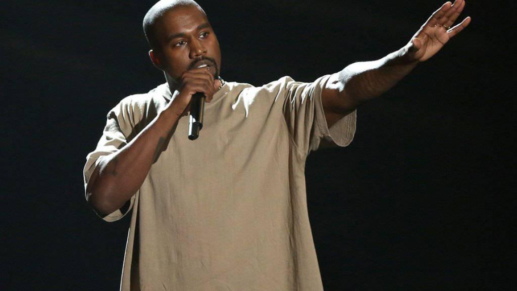 Kanye West bei der Bekanntgabe seiner Präsidentschaftspläne bei den MTV Video Music Awards am 30. August. Obwohl er zugegebenermassen high war, glaubt seine Frau Kim an ihn (Archiv).