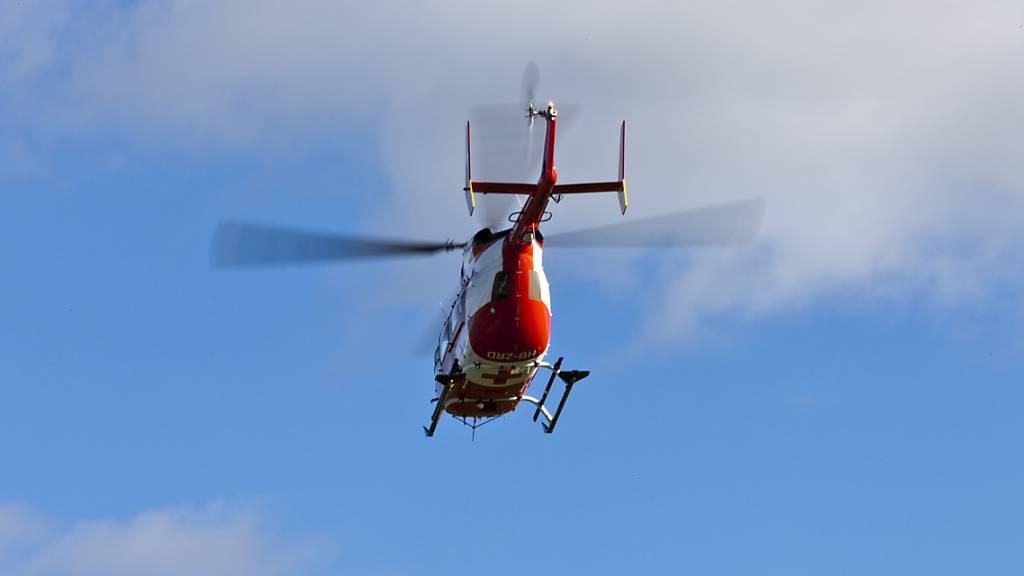 Wanderer stürzt in Studen 70 Meter in den Tod