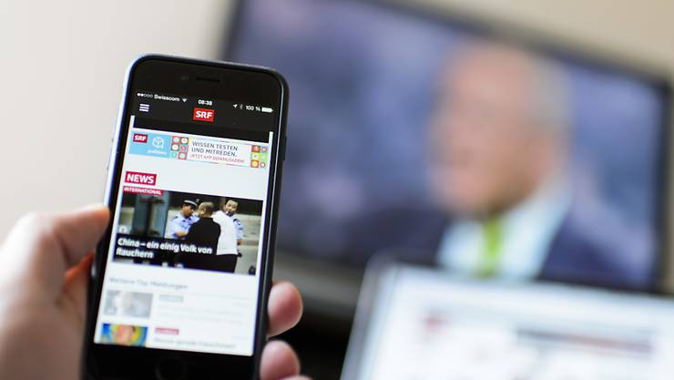 Bis im Frühjahr 2017 soll klar sein, welches Unternehmen die neue Haushaltsabgabe für Radio und Fernsehen erheben wird. Auch die heutige Inkasso-Stelle Billag kann sich um das Mandat bewerben. (Archivbild)