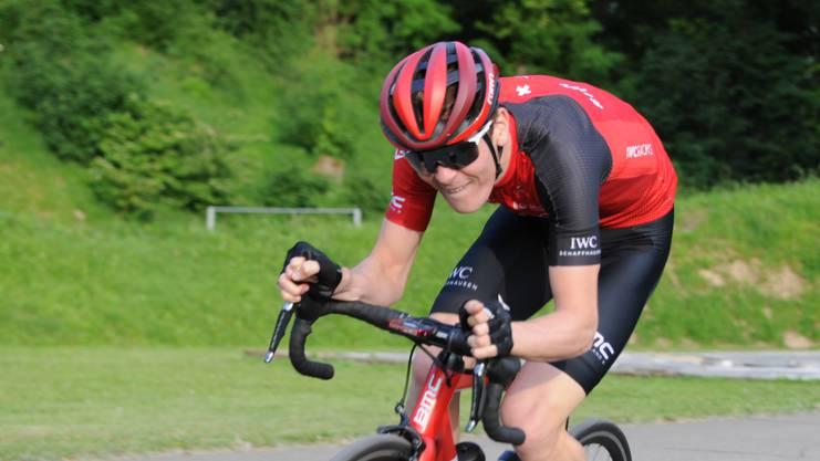 Mauro Schmid gewann das km-Zeitfahren. Er realisierte die drittbeste je in Brugg gefahrene Zeit.