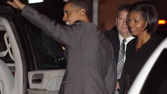 Michelle und Barack Obama auf dem Weg ins Restaurant