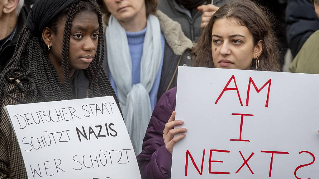 6000 Menschen demonstrieren in Hanau gegen Hass