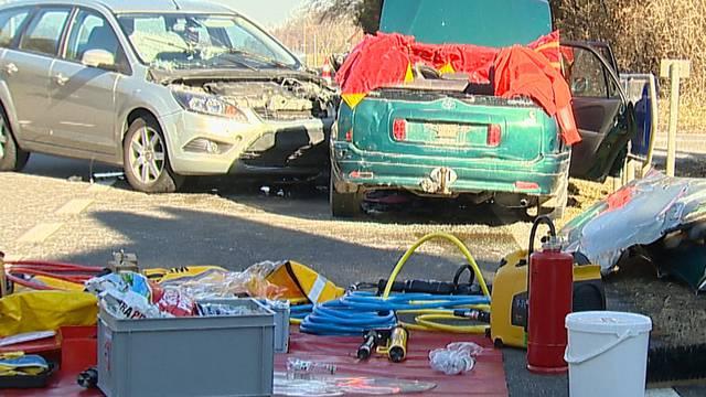 Rega-Einsatz und 3 Verletzte nach Autokollision