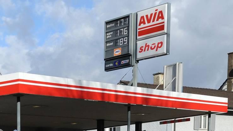 Avia-Tankstellenshop in Rheinfelden überfallen. (Symbolbild)