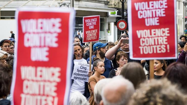 Proteste in der ganzen Schweiz (Bild: Genf) nach der Attacke gegen Frauen in Genf.