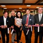 Von links: Gesamtschulleiter Hubert Bläsi, Architekt Jürg Thommen, Bibliotheksleiterin Karin Burkhalter, Stadtpräsident François Scheidegger und Regierungsrat Remo Ankli.