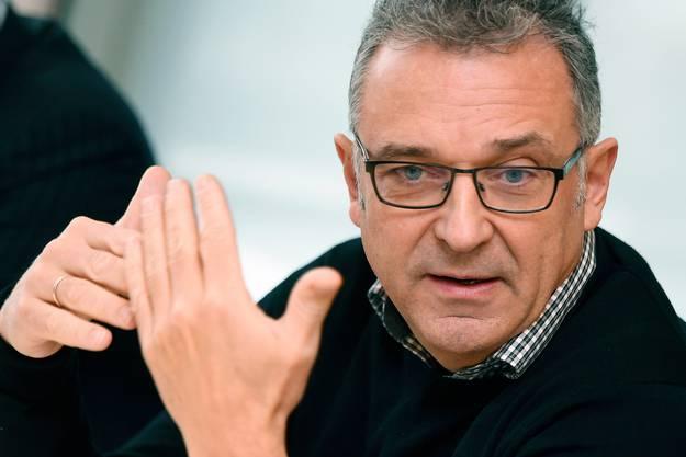 Einst beim Eröffnungsfest 2012 zeigte sich Intendant Andreas Homoki noch als Grillmeister, jetzt lässt er den Vorhang runter.