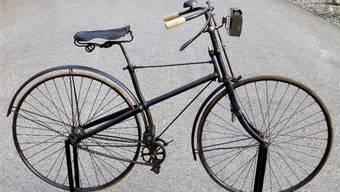 Schön restauriert: Dieses Fahrrad ist vermutlich 1892 gebaut worden. zvg
