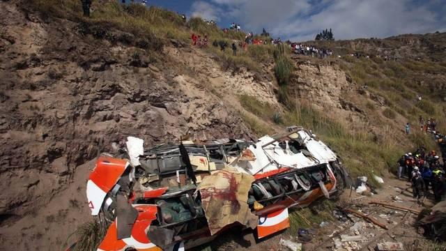 Verunglückter Bus in Ecuador