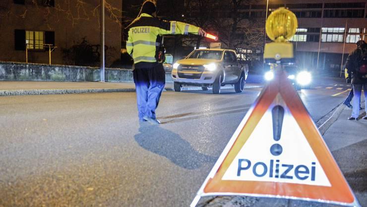 Eine Polizeikontrolle. Symbolbild.