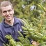 Der Thürner Landwirt Simon Buser setzt auf verschiedene Betriebszweige, ein wichtiger sind Weihnachtsbäume.