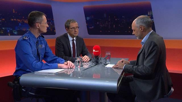 Polizeigrosseinsatz im Aargau: Polizeikommandt Michael Leupold und Polizeidirektor Urs Hofmann nehmen Stellung