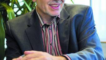 Daniel Barth (59) ist Facharzt für Kinder- und Jugendpsychiatrie und -psychotherapie. Er leitet als Chefarzt seit 1987 das Departement Kinder- und Jugendpsychiatrie (KJP) der Solothurner Spitäler AG (soH). Er ist verheiratet und hat drei Kinder im Schulalter. (sff)