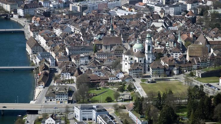 Lufaufnahme der Altstadt Solothurn.