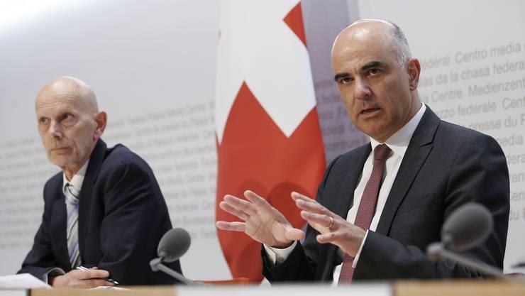 Im Fokus der Öffentlichkeit stehen Gesundheitsminister Alain Berset (rechts) und Daniel Koch vom Bundesamt für Gesundheit (BAG).