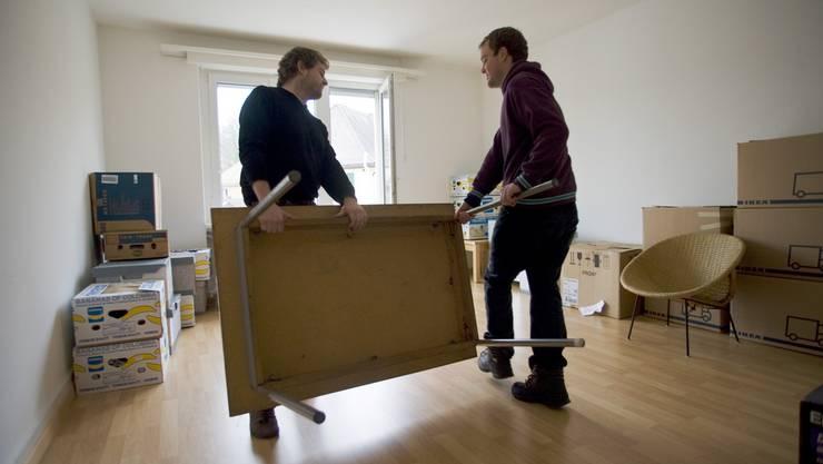 In den Grossstädten Zürich, Basel, Genf, Lausanne und Bern sind Wohnungen durchschnittlich nur 13 bis 17 Tage ausgeschrieben.