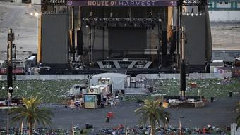Die US-Ermittler suchen noch nach dem Motiv des Las-Vegas-Täters, der wahllos in die Menge der Konzertbesucher feuerte und dabei mindestens 59 Menschen tötete.