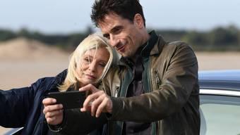 """""""Tatort""""-Schauspielerin Sabine Postel - hier mit ihrem Kollegen Oliver Mommsen - verabschiedet sich nach rund 22 Jahren mit gemischten Gefühlen von der Krimiserie. (Archivbild)"""