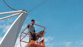 2019 wurde das 3,7-Tonnen-Chromstahl-Kunstwerk «Joy» auf dem Rapidplatz aufgestellt. Nun kommt Beschattung dazu.