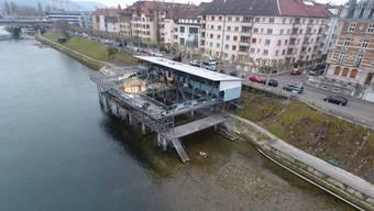 Tiefer Wasserstand am Rhein