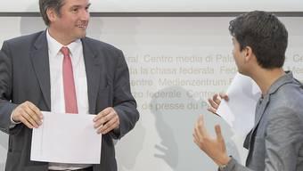 Kämpferisch in die Zukunft: SP-Präsident Christian Levrat und Jusochef Fabian Molina (rechts).