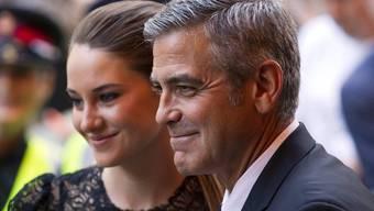 George Clooney ist mit oder ohne Freundin Stacy Keibler zu Spässen aufgelegt