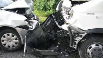 In Murgenthal fuhr ein Auto in einen Lieferwagen.