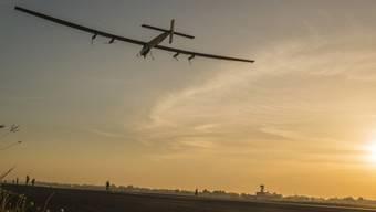 """Bleibt vorerst am Boden: Das Flugzeug """"Solar Impulse 2"""" (Archiv)"""