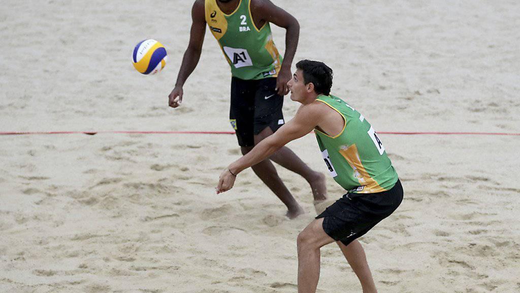 Das Brasil-Duo Evandro (links)/André wird im WM-Final seiner Favoritenrolle gegen die einheimischen Überraschungsfinalisten gerecht