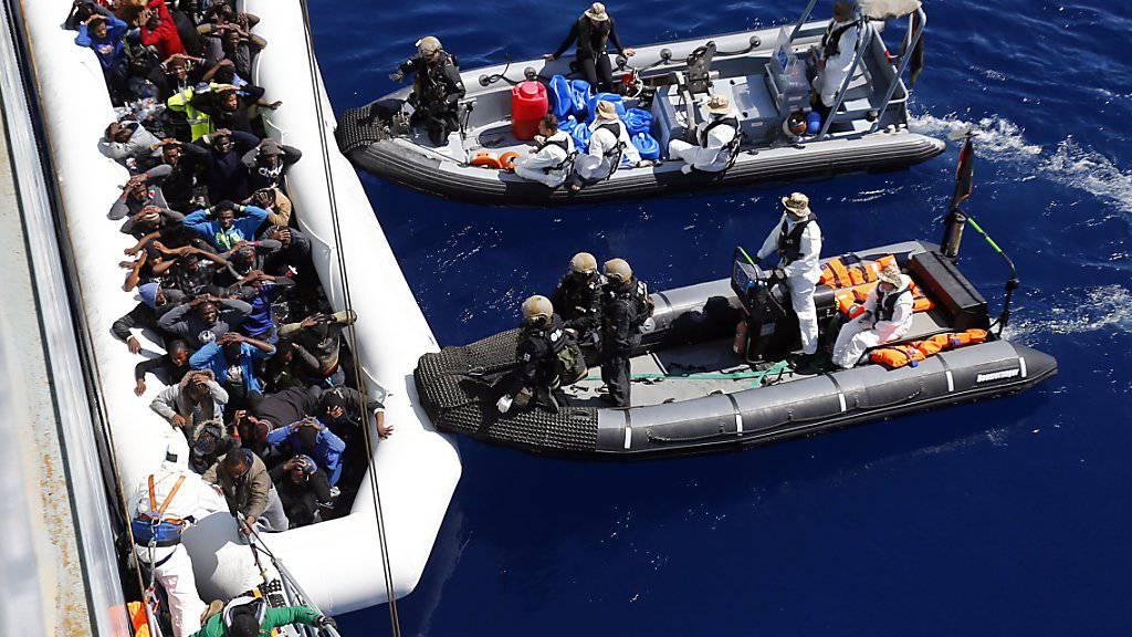 Flüchtlingshilfe der EU auf dem Mittelmeer im Rahmen der Operation «Sophia». (Archivbild)