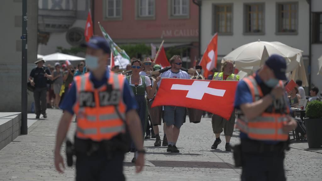 Störaktionen und Bussen bei Coronademo in St.Gallen
