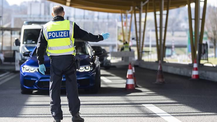 Seit Montag 8 Uhr kontrolliert die deutsche Bundespolizei unter anderem am Autobahnzoll Konstanz/Kreuzlingen alle Einreisenden nach Deutschland.