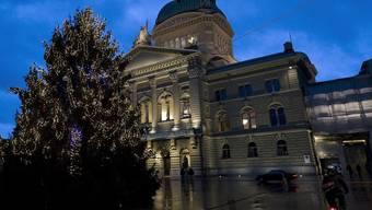 Weihnächtlicher Blick auf das Bundeshaus - Aufnahme aus dem Jahr 2009 (Archiv)